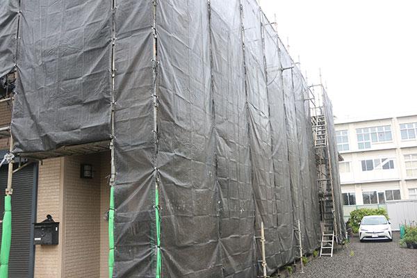 足場組み、飛沫防止シートの設置